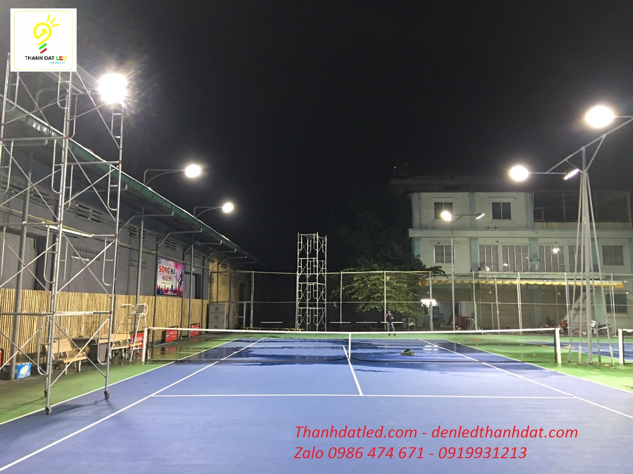 đèn led tennis
