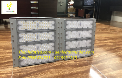 Đèn pha led Philips 400w